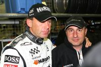 2007-06-10_uwe-alzen_mit_dem_team-chef_helmut-gay_von_g-private-racing
